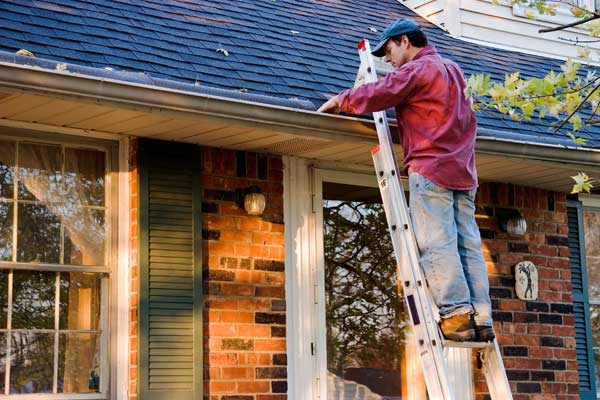 Gutter cleaning in birmingham al gutter cleaning done right by southerproclean solutioingenieria Image collections